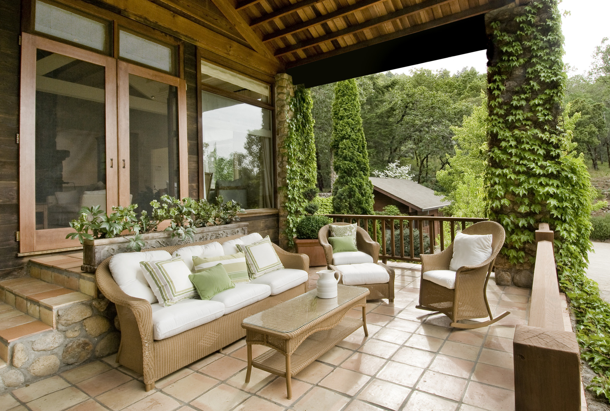 Spring Has Sprung! How to Enjoy Your Patio More